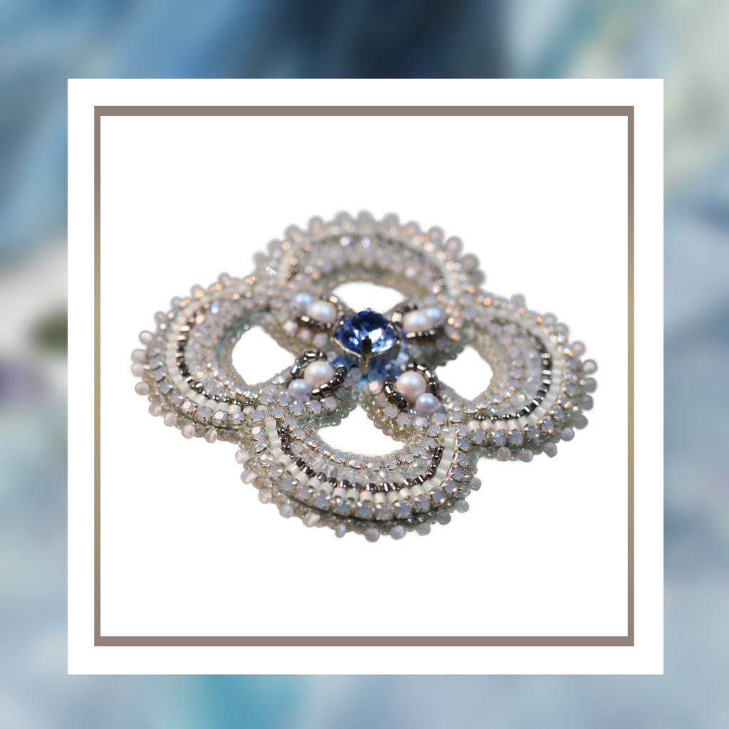 Channel classic glamour with SAFIRO Crystal Brooches Safiro
